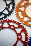 Покрашенные цепные колеса мотоцикла Стоковое Изображение