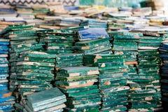 Покрашенные handcrafted плитки в Fez, Марокко стоковое фото rf