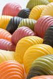 покрашенные multi раковины макаронных изделия стоковые изображения
