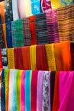 покрашенные multi шарфы стоковое изображение