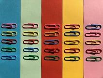 покрашенные paperclips Стоковые Фотографии RF