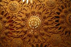 Покрашенный богато украшенный потолок стоковое фото