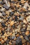 покрашенный гравий Продукция задавленного камня покинутая шахта стоковые фотографии rf