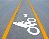 Покрашенный дорожный знак велосипеда Стоковое Изображение