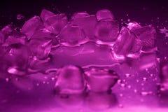 Покрашенный крупный план кубов льда Стоковая Фотография