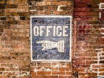 Покрашенный рукой знак офиса Стоковая Фотография