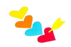 4 покрашенных бумагой формы сердца с стрелкой Стоковые Изображения RF