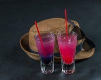 2 покрашенных питья, сочетание из синее с пурпуром, Стоковое фото RF