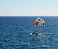 покрашено над морем парашюта Стоковая Фотография