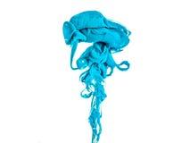 Покройте краской свирль в воде, изолированной на белой предпосылке Краска в воде Мягкая обсеменность капельки покрашенных чернил Стоковые Фото