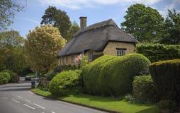 Покрыванный соломой коттедж Cotswold, откалывая Campden, Gloucestershire, Англия Стоковое Изображение RF