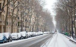 покрытая парижская улица снежка Стоковое Фото