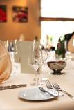 покрытая таблица ресторана Стоковое фото RF