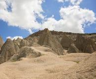 Покрытые земляные монахи, провинция Aksaray, Турция Стоковые Фотографии RF
