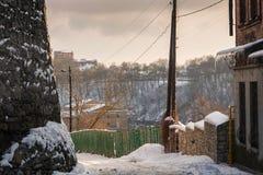 покрытые Снег улицы старого городка Стоковое фото RF