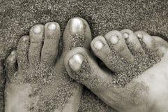 покрытый песок ног Стоковая Фотография