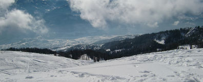 покрытый снежок горной цепи Стоковые Фотографии RF