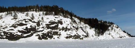 покрытый снежок утеса Стоковое фото RF