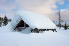 покрытый снежок хаты Стоковая Фотография RF