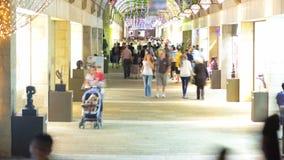 Покупатели и туристы на timelapse торговой улицы Mamilla в Иерусалиме акции видеоматериалы