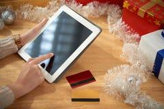 Покупая вещи на Новый Год Стоковые Фотографии RF