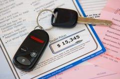 покупка автомобиля Стоковые Изображения RF