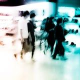 покупка людей базарной площади толпы города Стоковое фото RF