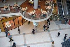 покупка мола многоуровневая Стоковые Фотографии RF