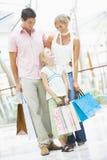 покупка мола семьи Стоковые Изображения
