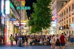 Покупки ночи на улице Graben в вене Стоковое Изображение