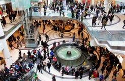 Покупки рождества центра Торонто Eaton стоковые изображения rf