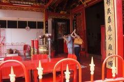 Поклонение китайца стоковая фотография rf