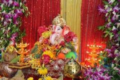 Поклонение фестиваля бога слона стоковая фотография rf