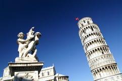 Полагаясь башня, Pisa Италия Стоковое фото RF