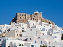 Полдень в Astypalaia, Греции с концом вверх замка и t стоковая фотография