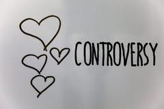 Полемика текста сочинительства слова Концепция дела для разногласия или аргумент о что-то важном к задней части белизны сердец лю Стоковые Изображения RF