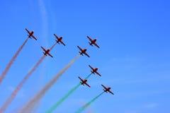 полет с выполнением фигур высшего пилотажа Стоковая Фотография