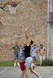 полет шарика следует за игроками Стоковые Изображения