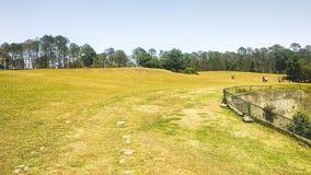 Поле для гольфа в Ranikhet, Uttarakhand стоковое изображение