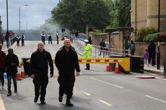 Полиция масленицы Notting Hill баррикад дорога стоковые фотографии rf