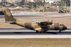 Полиция турбовинтового самолета Омана транспортирует воздушные судн Стоковые Изображения