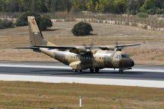 Полиция турбовинтового самолета Омана транспортирует воздушные судн Стоковое Изображение RF