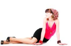 Полнометражная женщина в изолированном тюрбане стоковая фотография