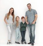 Полностью рост семьи детей много семьи счастливые мое портфолио 2 стоковое изображение rf
