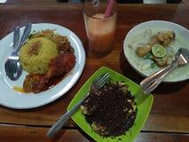 Полные блюда что вы можете получить на харчевне стоковая фотография rf
