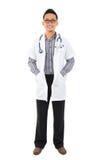 Полный тела доктор юговосток азиатский медицинский. Стоковое фото RF
