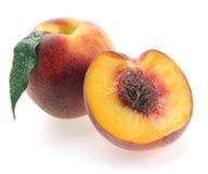 половинные персики Стоковая Фотография