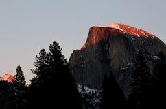 Половинный купол на национальном парке Yosemite на Рождество стоковые фотографии rf