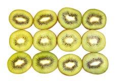 Половинный плодоовощ кивиа на рядке Стоковая Фотография RF