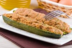 половины заполнили zucchini Стоковое Фото